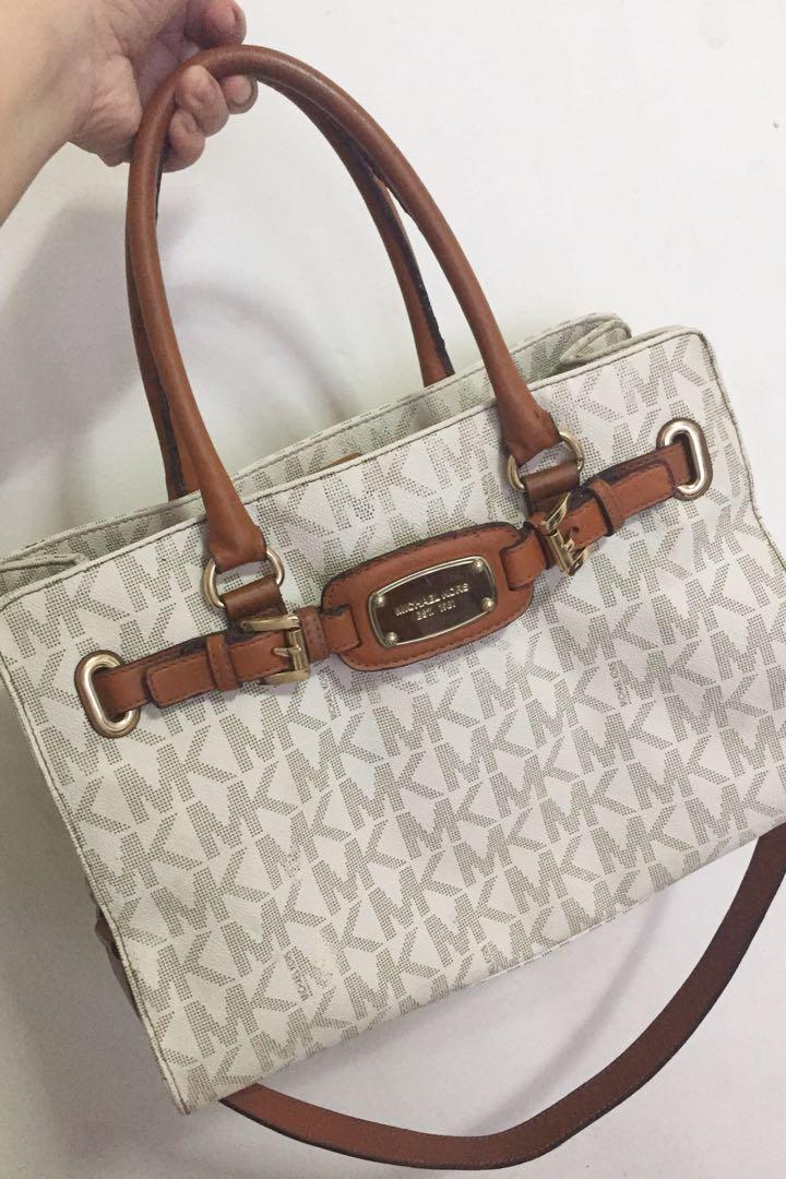ea1d3b56500b Michael Kors Hamilton, Women's Fashion, Bags & Wallets on Carousell