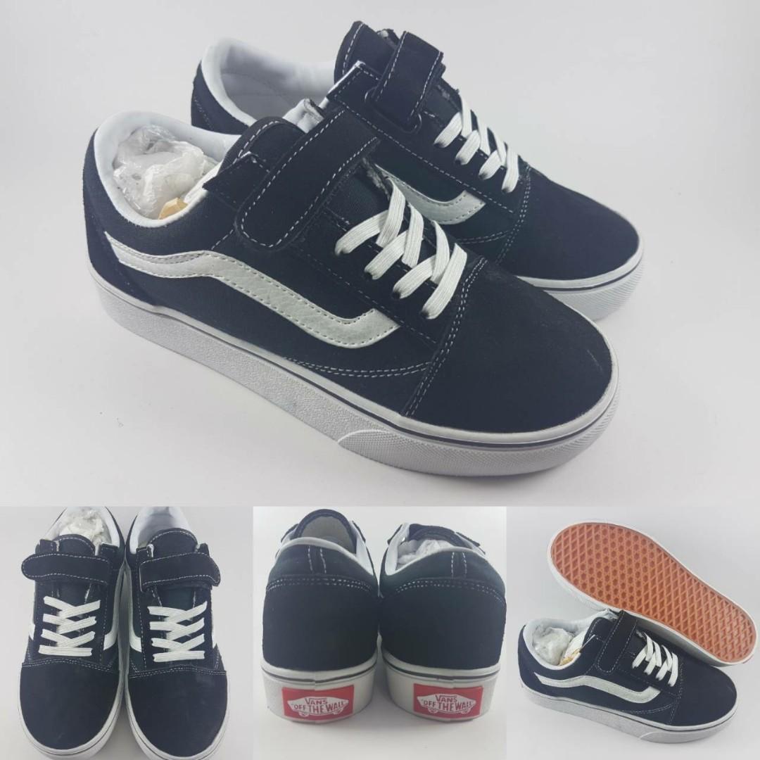 Sepatu Anak Vans Old Skool Velcro Lace Kids Black White Hitam Putih ... 71f2446b73