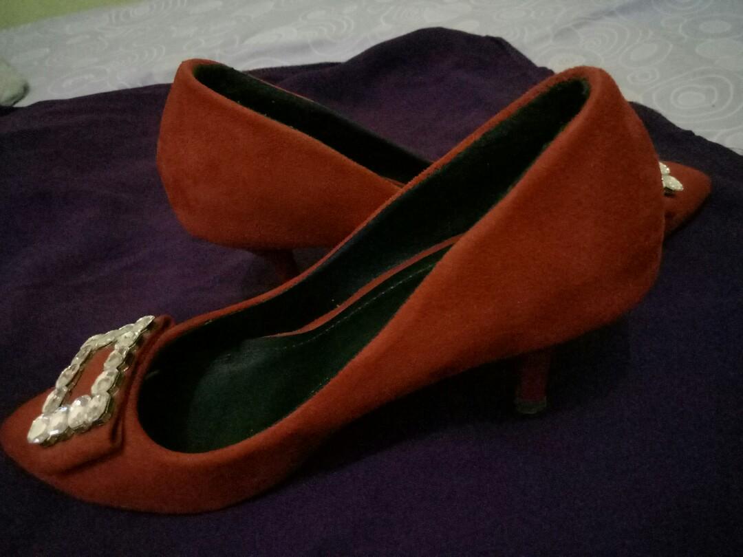 Sepatu Pesta Lawrensia Preloved Fesyen Wanita Di Carousell Inside Wedges Rensia Black Hitam 36
