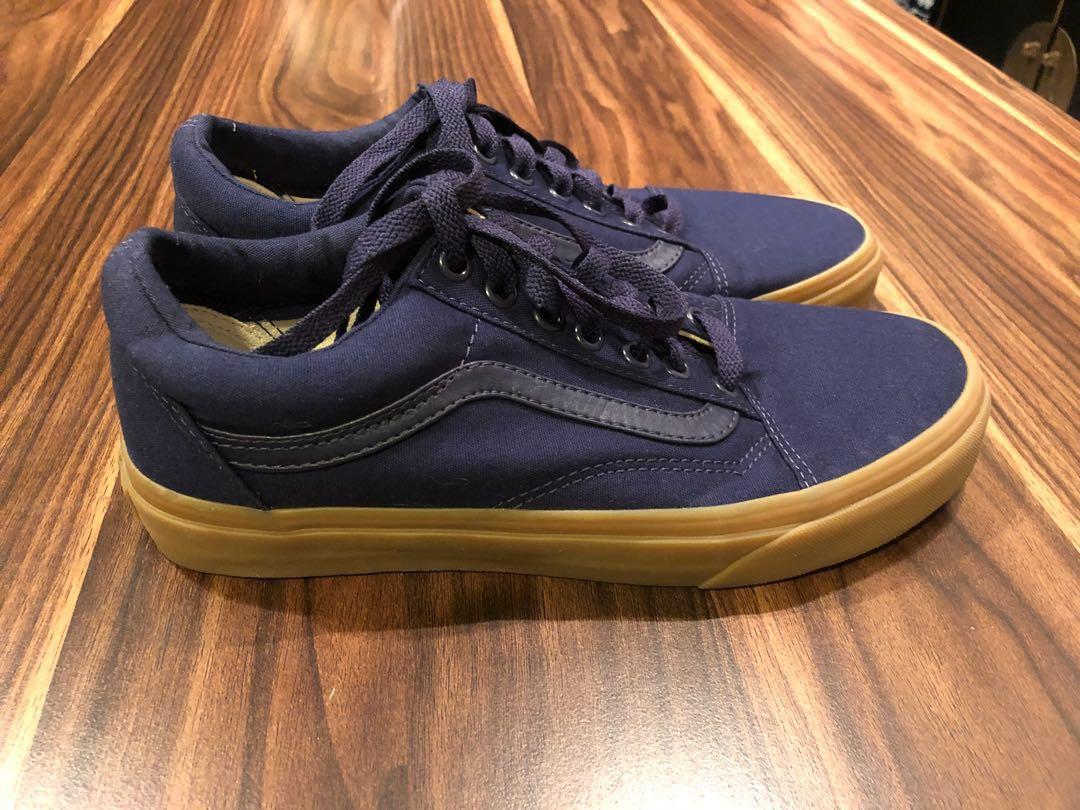 34a641b4e565 Vans Old Skool Navy Blue in gum soles