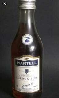 舊版馬爹利藍帶干邑酒辦50ml一支。