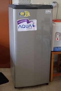 Sharp Aquos - kulkas 1 pintu