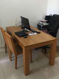 實木餐桌 160L x 85W x 76H 連餐椅2張