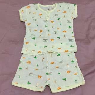 🚚 嬰兒睡衣一套