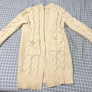 米白厚針織外套