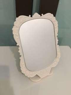 Foldable Vanity Mirror