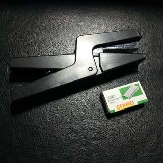 Ergonomic Hand Held Stapler. Brand new, never used