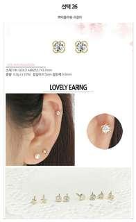 Clover Earrings from.korea