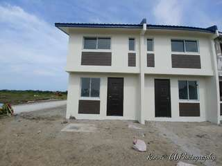Low Equity With Parking Townhouse in Tanza
