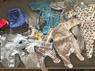 0-3m sleepwear,onesies,3pair of socks,2pants