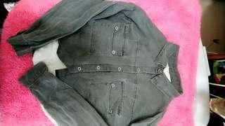 復古襯衫式長袖黑灰色短版上衣