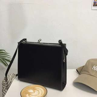 Vintage 2WAY Classic Bag