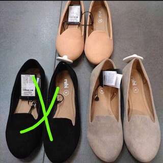 Loafer shoe flat