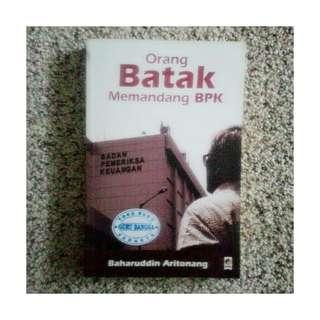 Buku Orang Batak Memandang BPK - Baharuddin Aritonang