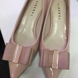 Baby Pink Pointed Pumps