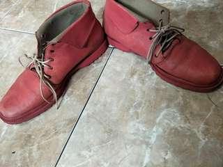 Sepatu boots kulit garut