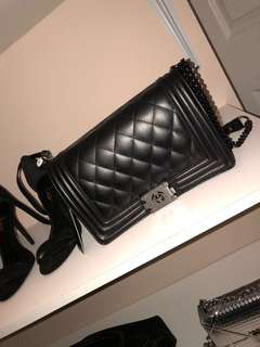 New With Tag Fashion Drug Quilted Crossbody Chain Bag