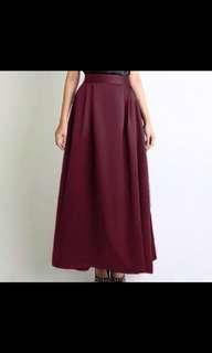 Fashion valet for downy skirt