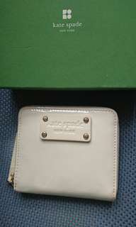 Kate Spade patent leather wallet in white// 95% new in front