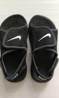 PL Nike Sandals