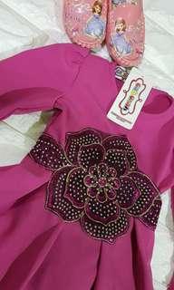 Muslim kid mutiara jubah