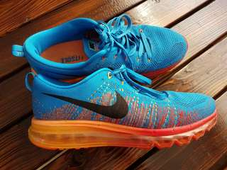 Nike Flyknit Max shoes sz. Us 10