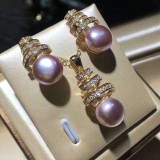 🚚 天然紫珍珠套裝,吊墜➕耳釘超級美 全靠搶   珠八九毫米左右,圓扁珠強光極微微瑕,925銀鍍18k金鑲嵌,純天然原色的  美的沒誰了,配送圖中銀鍍金鍊,太超值了