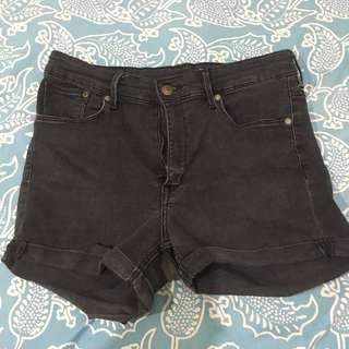 H&M High waisted black shorts from HONGKONG