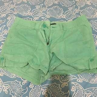 Basic Gap green shorts from CANADA