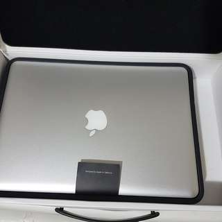 MacBook Pro 13 i7 8GB RAM 256GB SSD- Almost NEW