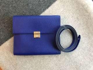 Hermes Clic I6錢包,山羊皮電光藍色,還有帶子可以背