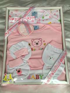 5 pcs Benbeni Baby Girl Clothes Gift Set for 0-3 months