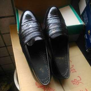 🚚 男士皮鞋
