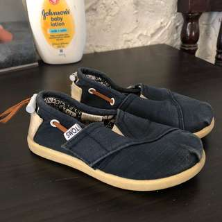 TOMS for toddler size T7
