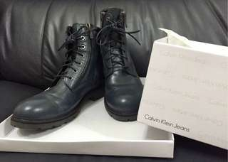 🚚 Calvin Klein Jeans(CK) 男性率性藍灰短筒靴/鞋 時尚必備款 EU42號(可面交)