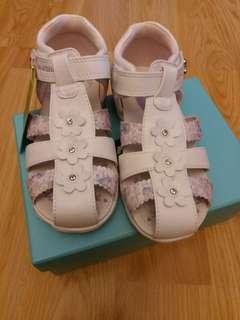 全新Dr Kong 兒童涼鞋 女童涼鞋 28碼 內長19cm 原價買的429