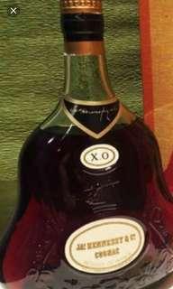 陳年老酒,陳年軒尼詩雙貼牛仔字XO干邑700mI連盒。
