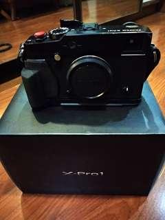 Fujifilm Xpro1 + Fujinon XF 18-135mm