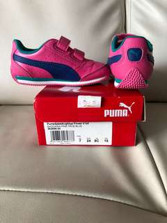 Preloved Puma toddler girl lightup sneakers for sale