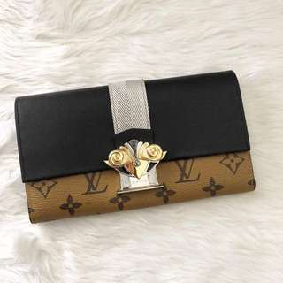 LV preloved wallet