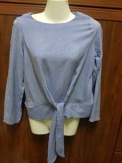 Blouse knot top