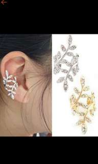 Fashion rhinestone earrings