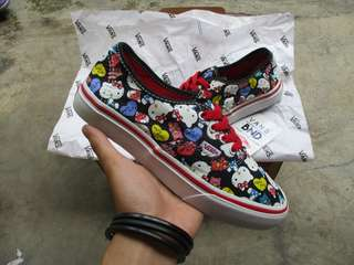 Vans Authentic Hello Kity Black White Red (Waflee HF)