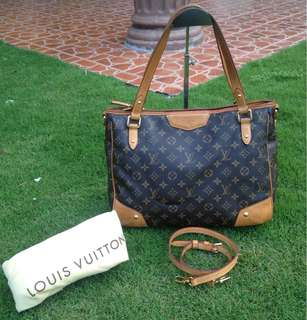 AUTHENTIC LOUIS VUITTON MONOGRAM CANVAS ESTRELLA MM SIZE  COME WITH DUSTBAG AND LONG STRAP. MADE IN FRANCE GOOD CONDITION 8/10