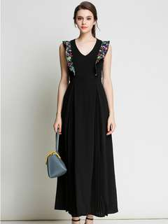 Maxi: Black Summer V-Neck Embroidered Pleated Long Dress (S / M / L / XL) - OA/DZE042027