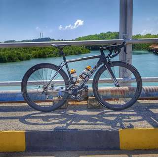 Felt F5 Full Carbon Road Bike with Wheelset