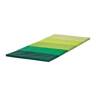 IKEA PLUFSIG 折疊式運動墊