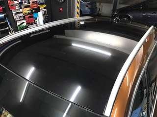 BMW X1 glossy black roof wrap