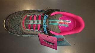Sepatu Skechers size 32