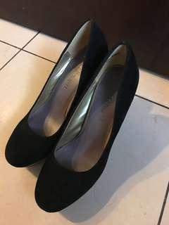 Madden Girl Lockhart Black Mult 絲絨面黑色高踭鞋